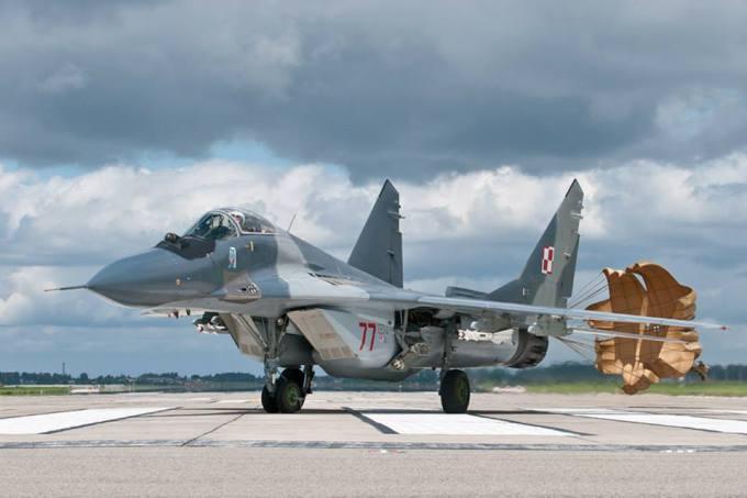 Lenkų naikintuvai saugo Baltijos šalių oro erdvę