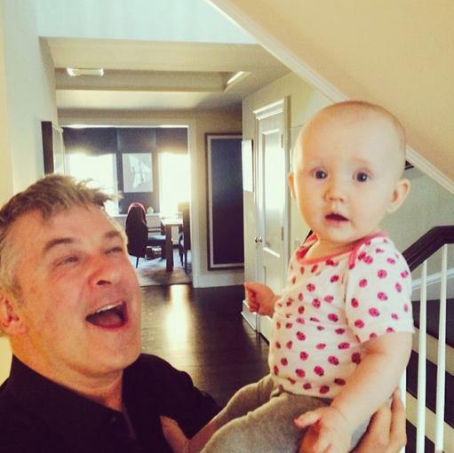 """""""Instagram"""" nuotr./Alecas Baldwinas su dukra Carmen"""