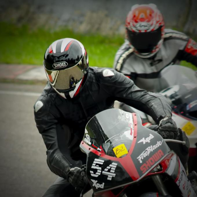 """""""Coffee Racers"""" nuotr./Motociklų lenktynės"""