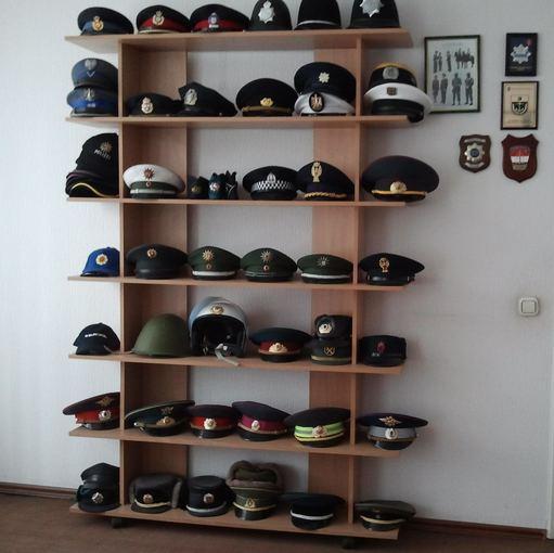 A. Leliugos kepurių kolekcija