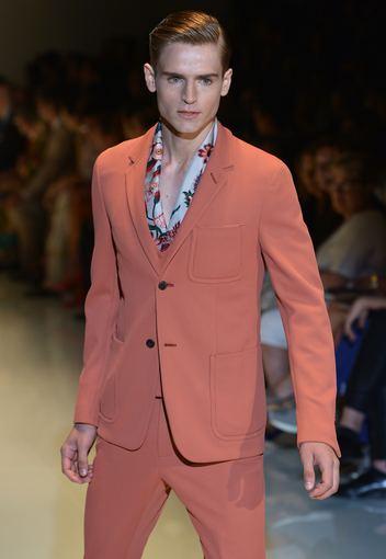 "AFP/""Scanpix"" nuotr./""Gucci"" vyriškų kostiumų kolekcija"