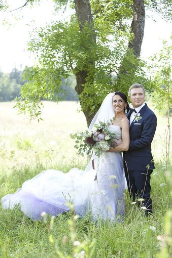 Mariaus Žičiaus/Žmonės.lt nuotr. /Jaunavedžių Zvonkų fotosesija pakeliui į bažnyčią