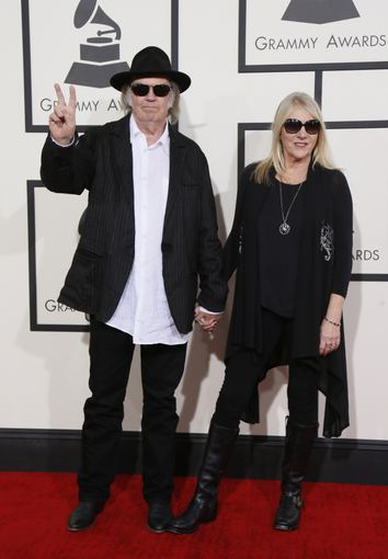"""Reuters""/""Scanpix"" nuotr./Neilas Youngas su žmona Pegi"