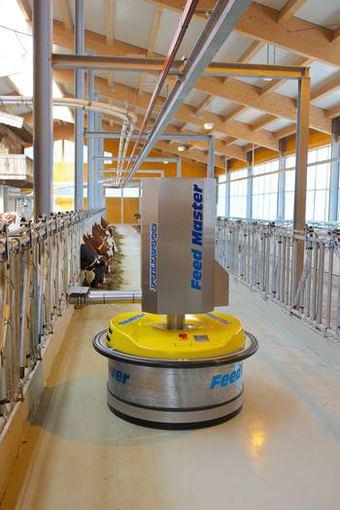 """Perversmas karvių augintojams – melžimo robotai. UAB\""""AGROMERZ\"""" nuotr."""