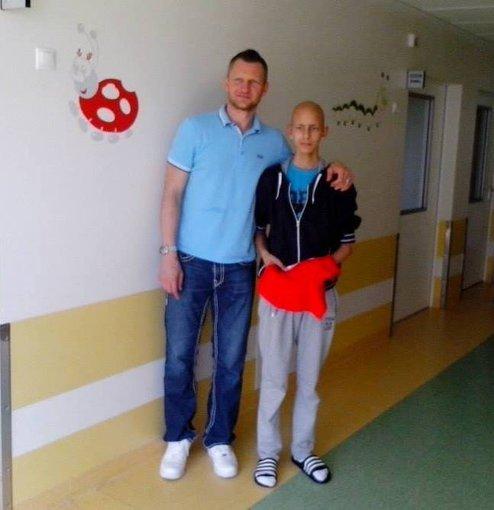 Asmeninio albumo nuotr./Gytį ligoninėje aplankė krepšininkas Rimantas Kaukėnas
