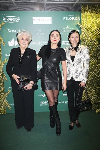 Viganto Ovadnevo/Žmonės.lt nuotr./Seserys Anželika ir Greta Cholinos su mama Laima