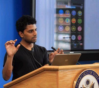 """wikimedia.org nuotr./Naveenas Selvadurai (32 m.) - socialinės svetainės """"Foursquare"""" įkūrėjas"""