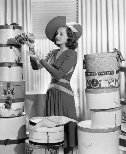 """""""Shutterstock"""" nuotr./Elegantiška praėjusio šimtmečio ledi."""