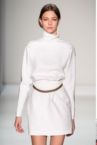 """""""Scanpix"""" nuotr./Victoria Beckham 2014-2015 žiemos kolekcijos modelis."""