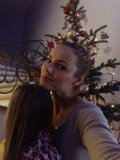 Asmeninio albumo nuotr./Goda Alijeva su dukra Tėja