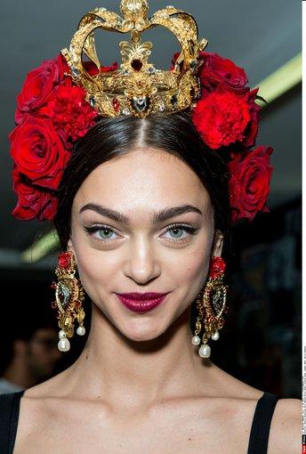 """""""Scanpix"""" nuotr./""""Dolce & Gabbana"""" 2015 m. pavasario-vasaros kolekcijos įvaizdis."""
