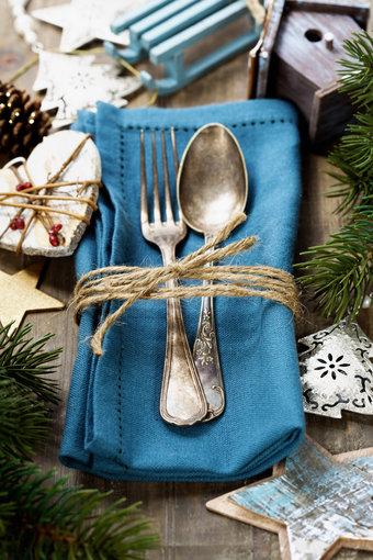 Fotolia nuotr./Kalėdų stalo serviravimas.