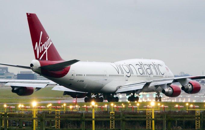 """""""Scanpix""""/""""PA Wire""""/""""Press Association Images"""" nuotr./Lainerio """"Virgin Atlantic"""" avarinis nusileidimas Gatviko oro uoste  2014 m. gruodžio 29 d."""