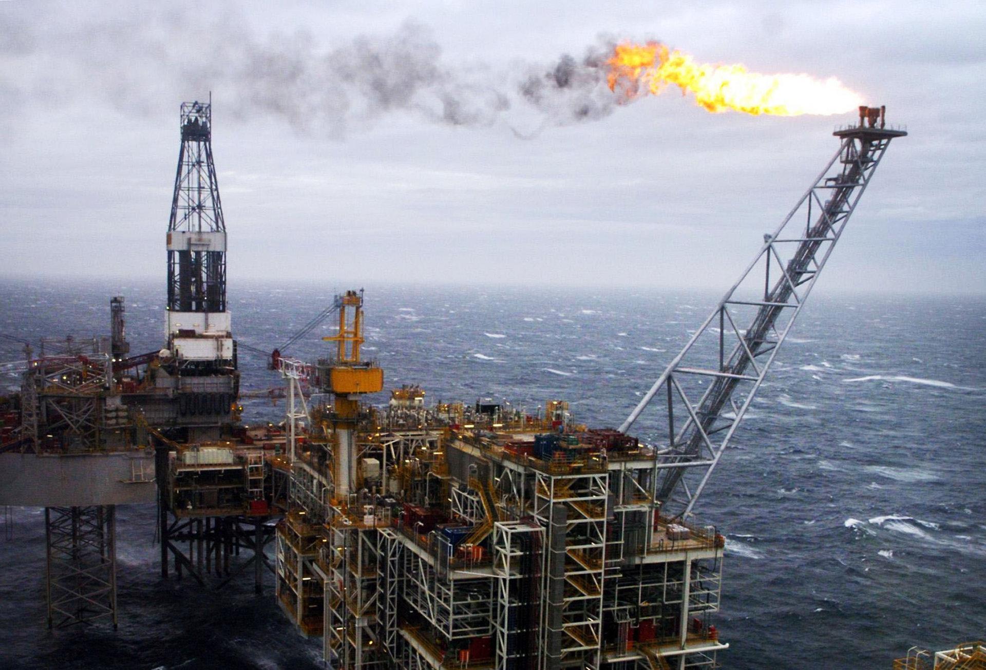 Kuo ypatinga naftos gavyba siaures juroje