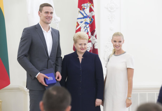 Luko Balandžio / 15min nuotr./Robertas Javtokas su žmona Vilma ir Dalia Grybauskaitė